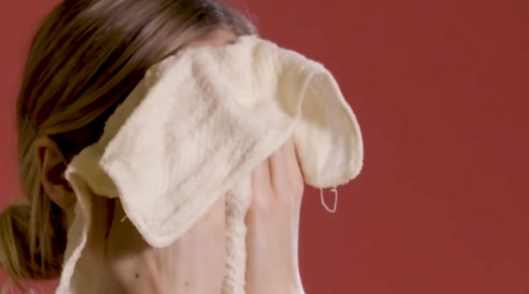 How to use cleansing oil